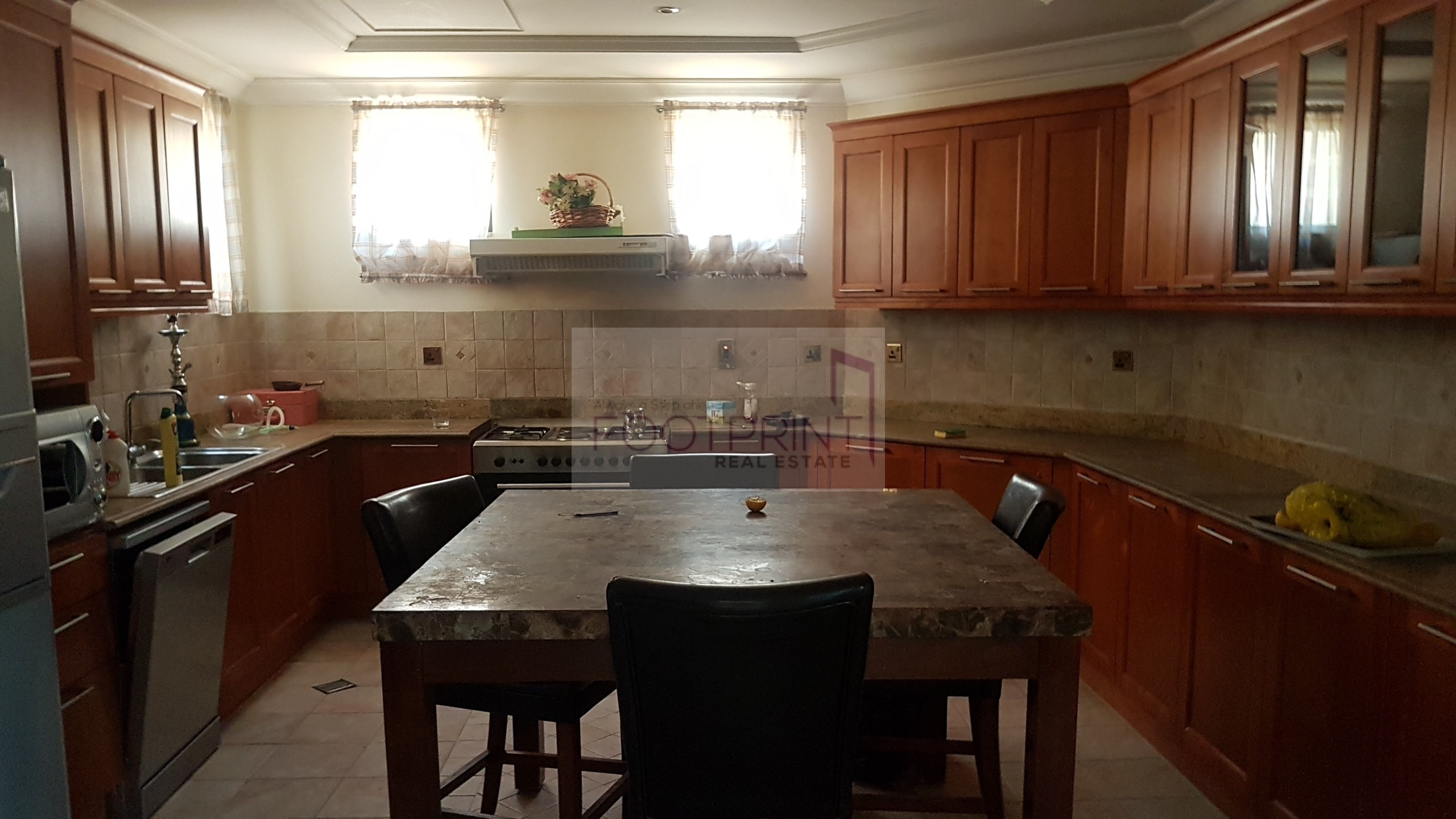 Just Renovated Clean 4Br+S High Number !