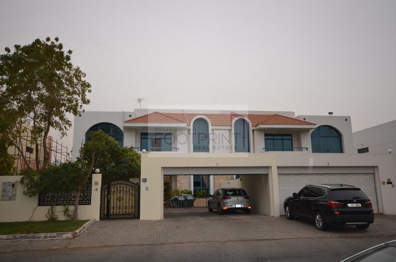 AlGarhoud 5BR vila for sale Near Airport
