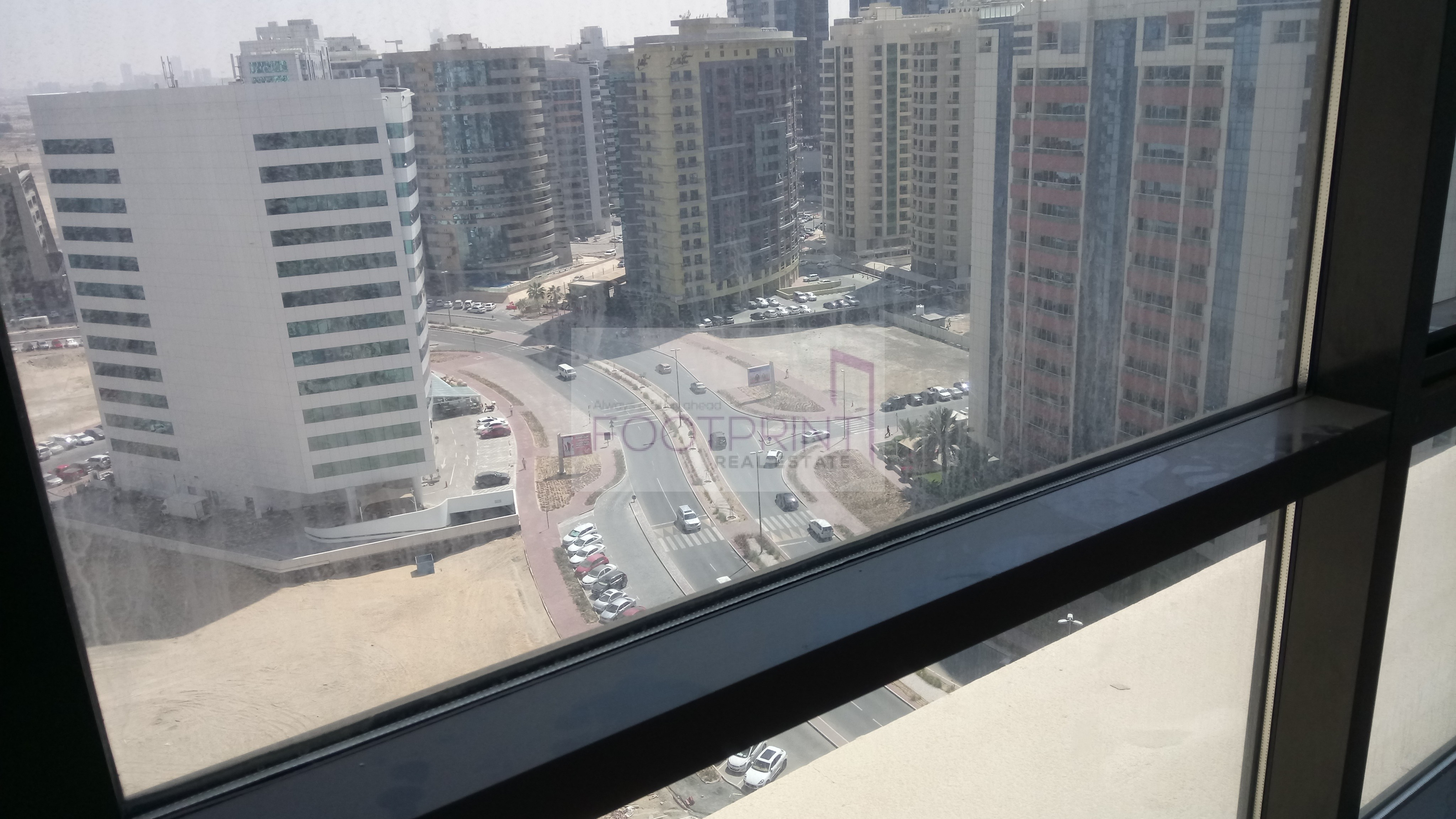 Huge+balcony+Amazing View+Multi cheques.