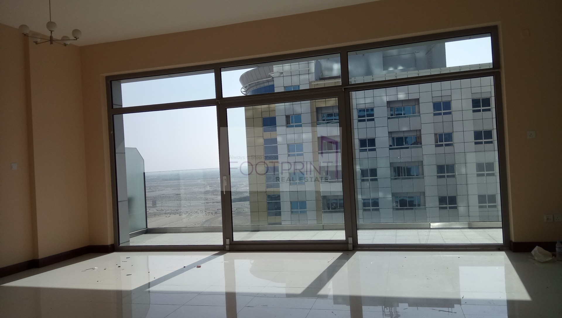 Huge flat+Balcony+Multi cheque+Price Neg