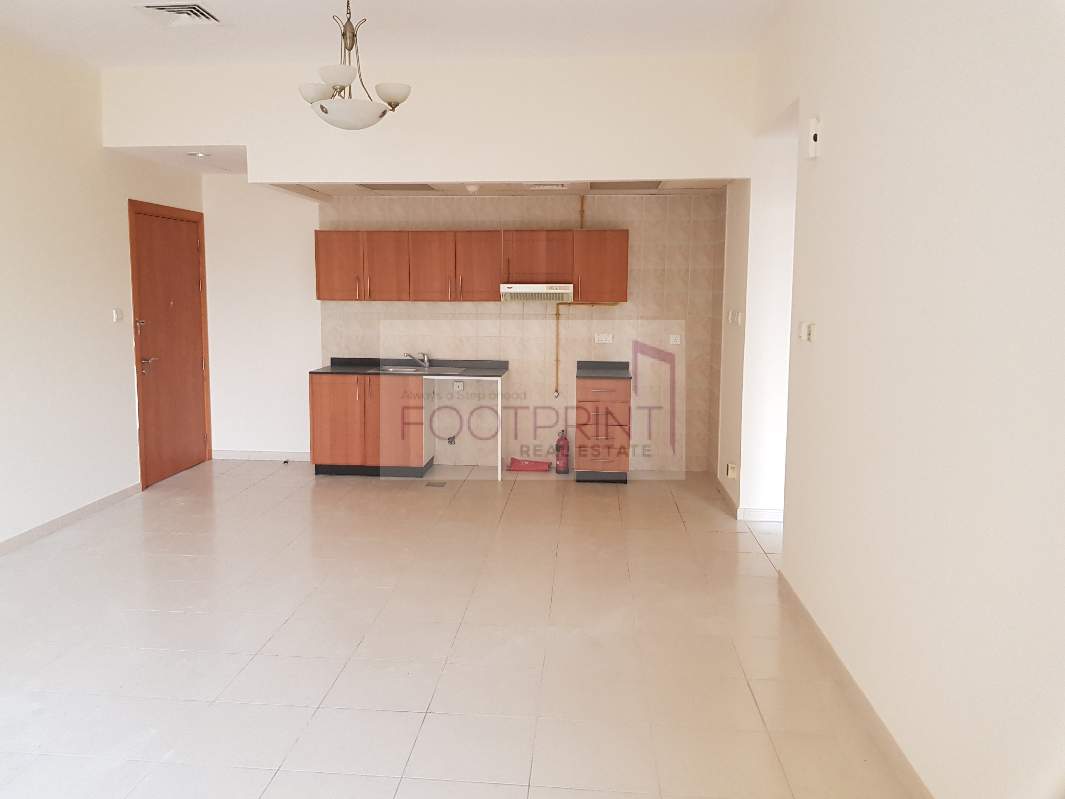 Spacious 1Bedroom For Rent In Mulberry 2