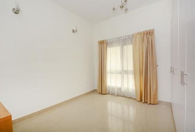 Hot Deal-1 Bedroom Hall @ 55 k / 4 cheq
