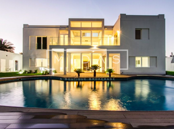 Must See!! Upgraded 5BR Modern Contemporary Villa