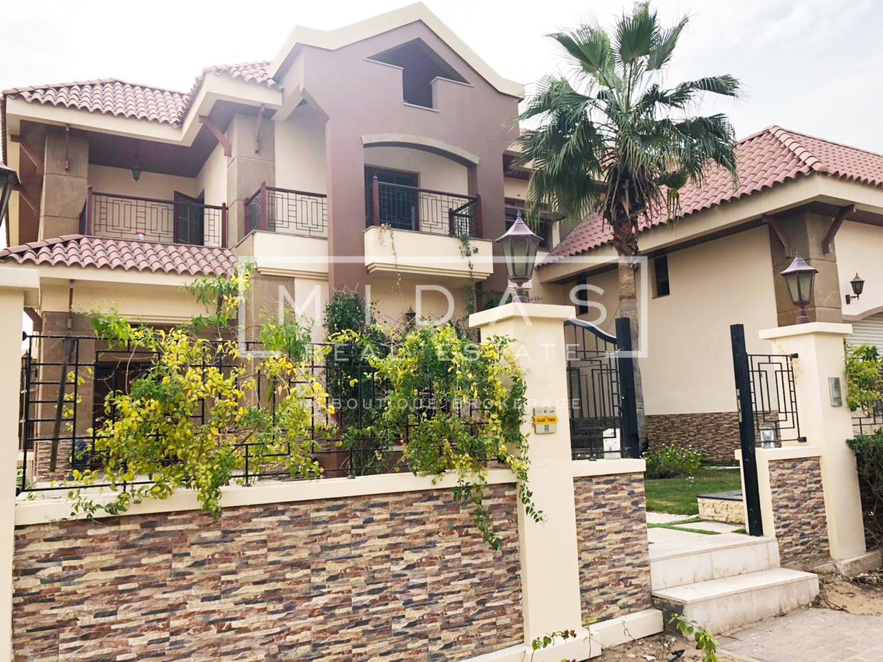 Serene 5BR Mansion Villa in Jumeirah Islands