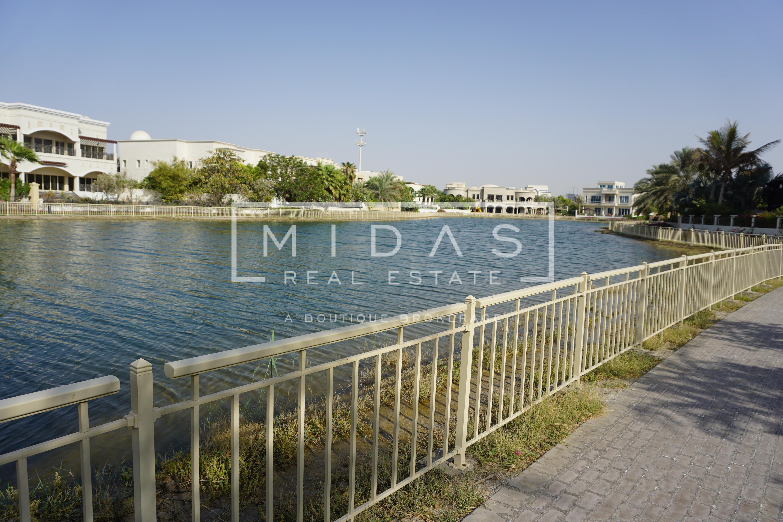 Luxurious 5BR+Maids Villa in Emirates Hills