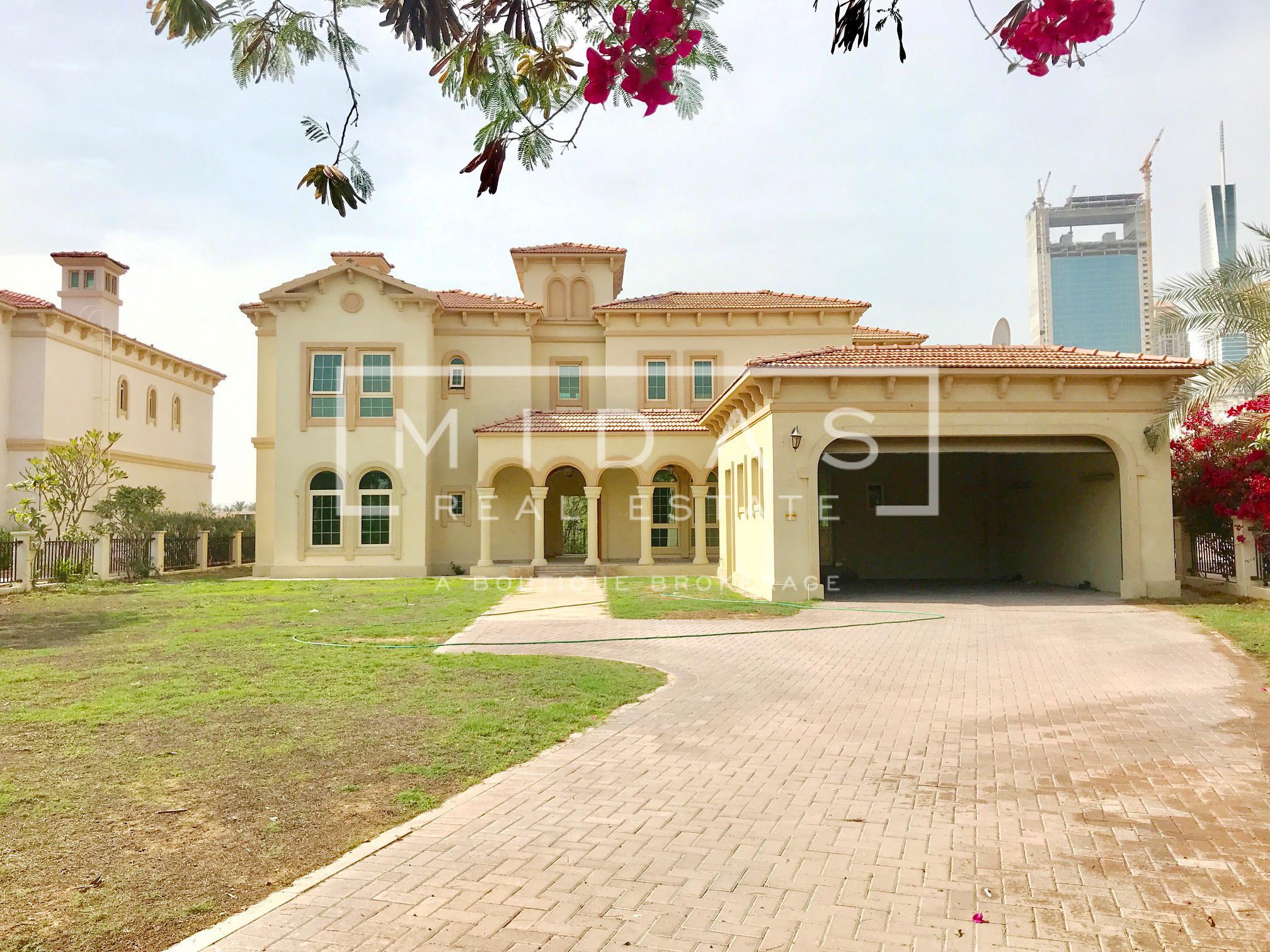 Serene 5BR Master View Villa in Jumeirah Islands