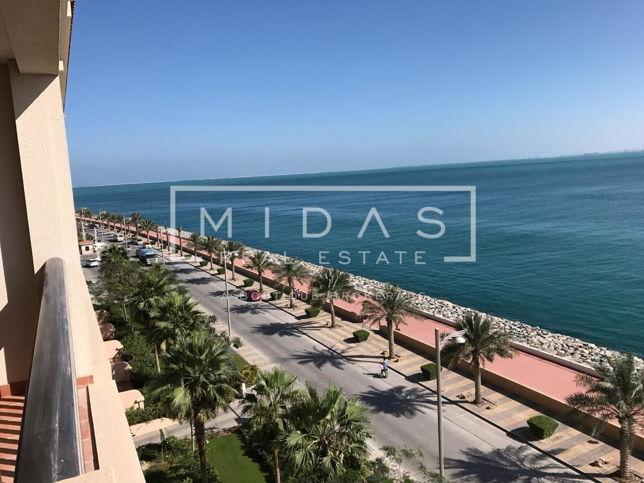 Luxurious 1 BR | Fully Furnished | Full Sea View