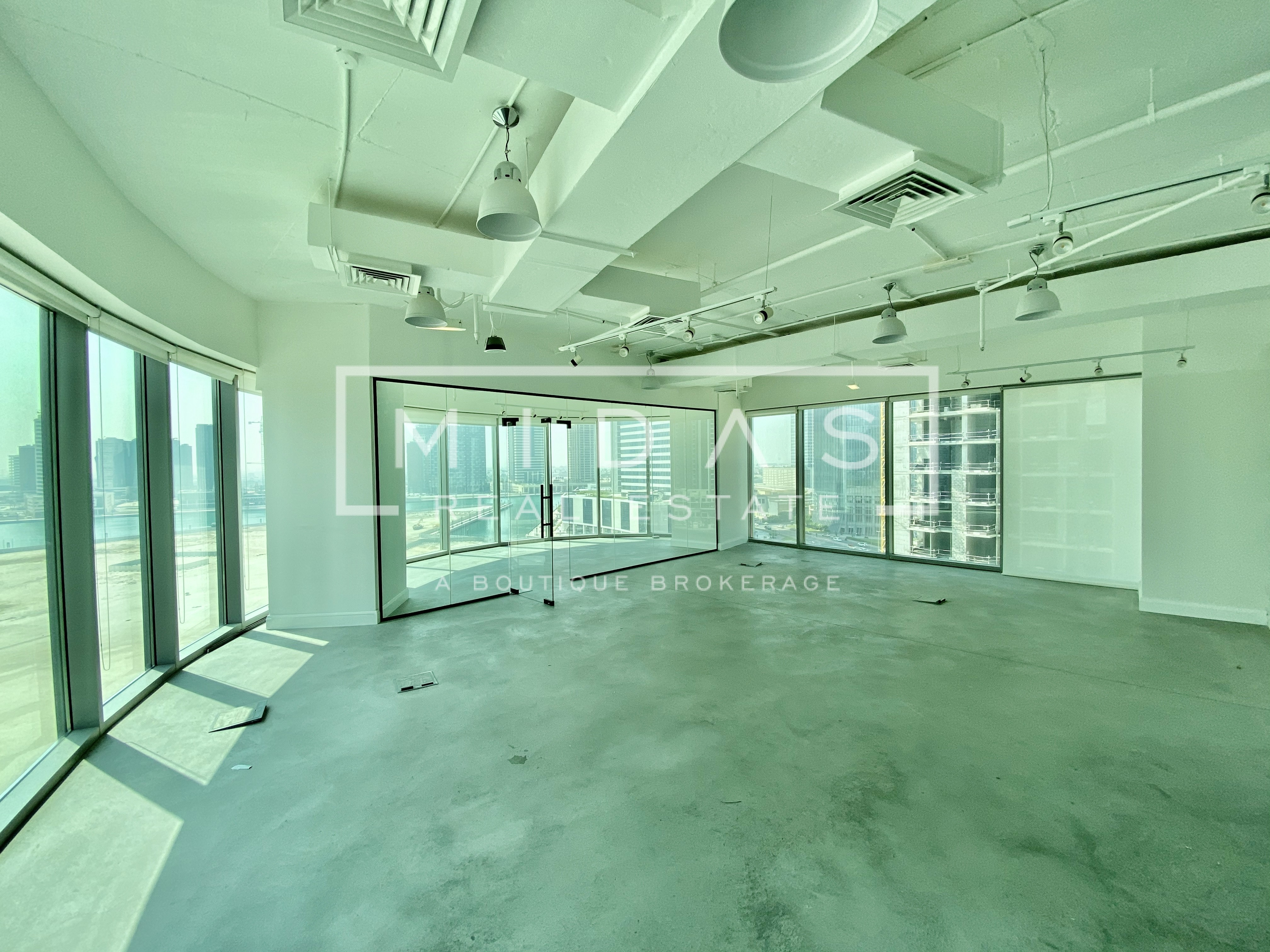 Rare 01 Series Corner Unit | Full Lake View | Luxuriously Fitted Out