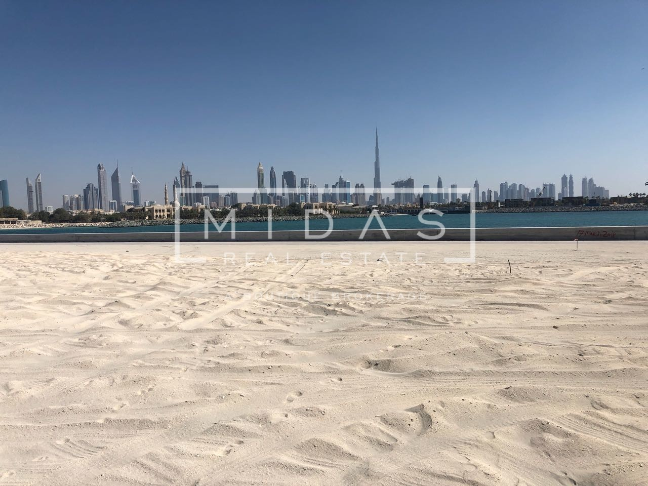 Best Location Plot For Sale in Pearl Jumeirah