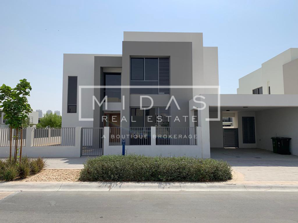 Corner Plot | Exclusive | Just Handed Over | E5 Type