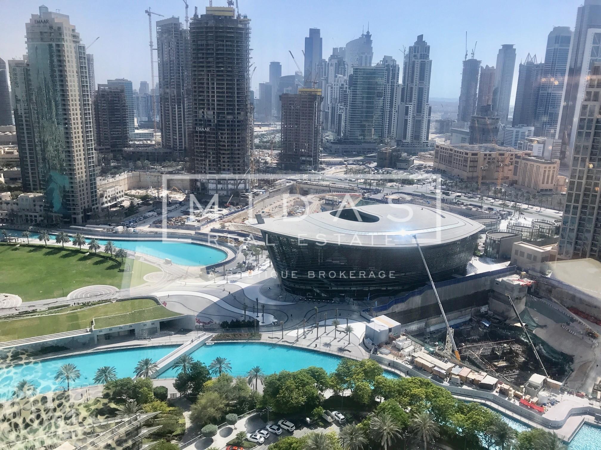 Luxurious Furnished 1BR in Burj Khalifa w/ Opera View