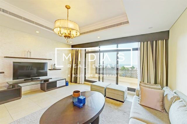 5BR Fully Furnished Villa w/ Sea Views in Jumeirah 2