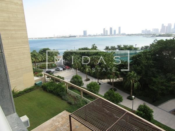 Excellent Deal | 3BR + Living | Vacant | Palm Jumeirah