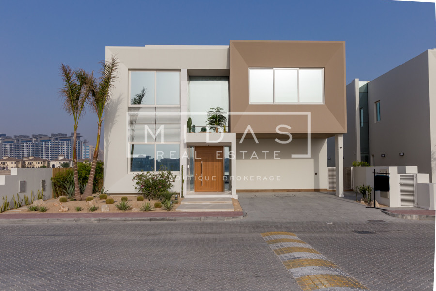 Rare Brand New Contemporary Villa | Elegant Design | Infinity Pool | Mid Number