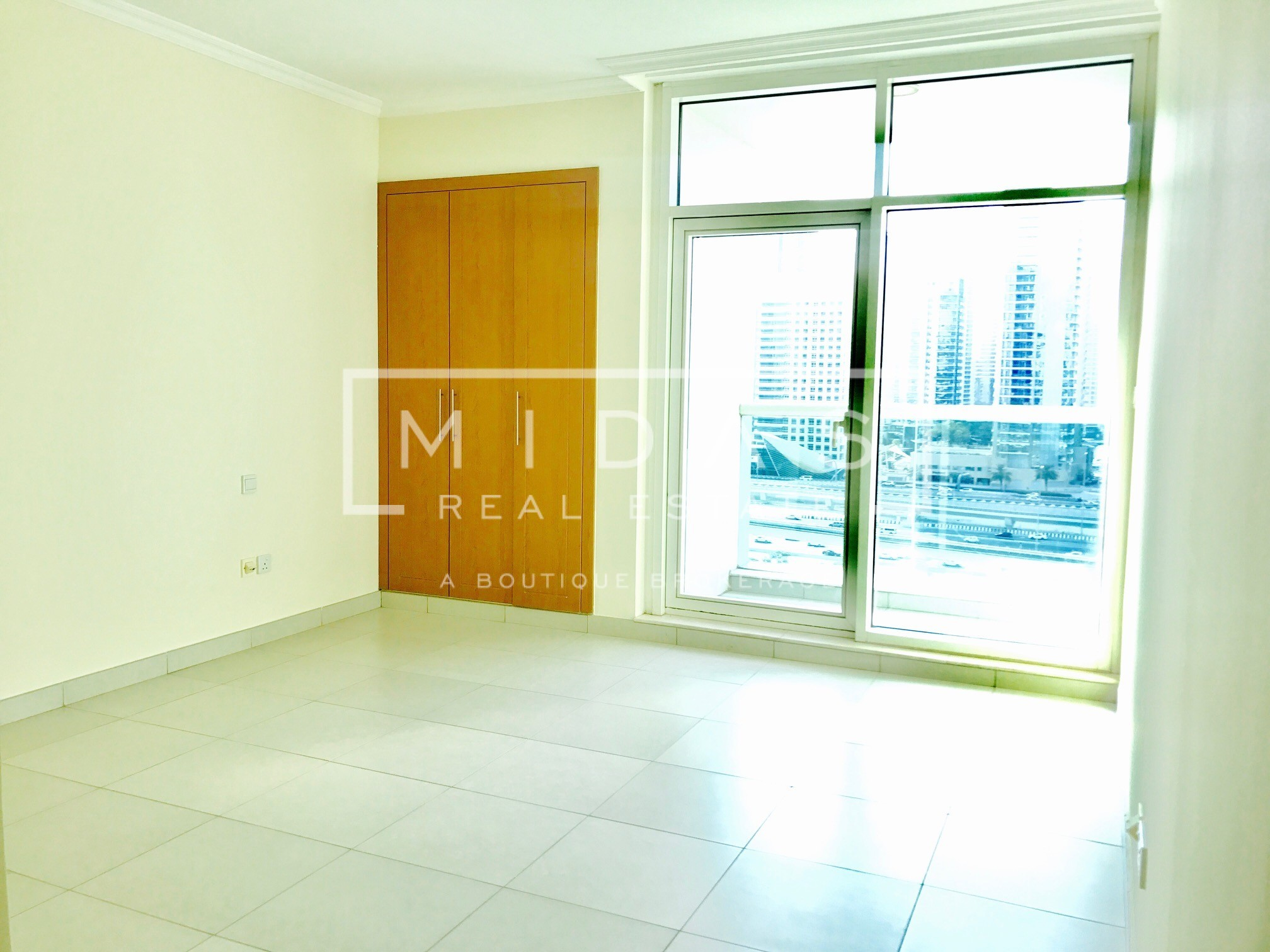 Large and Bright 2BR with Amazing View in JLT For Sale