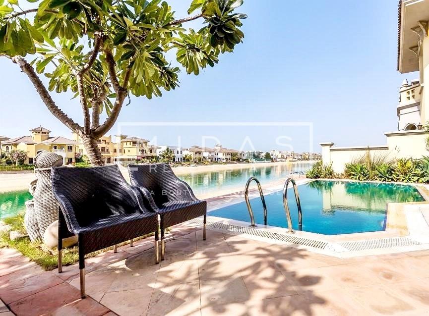 Luxurious 4BR Garden Home Villa w/ Private Pool