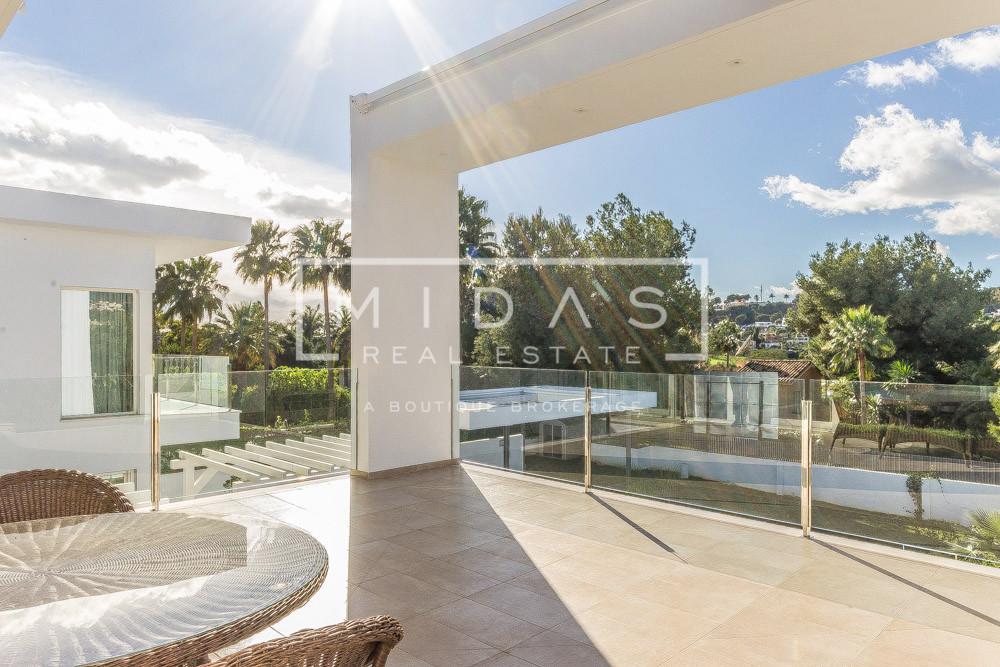 6BR Contemporary Villa w/ Customized Swimming Pool