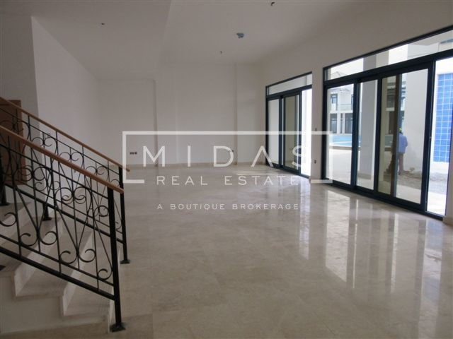 Spacious 4BR + Maids in Palma Residence!