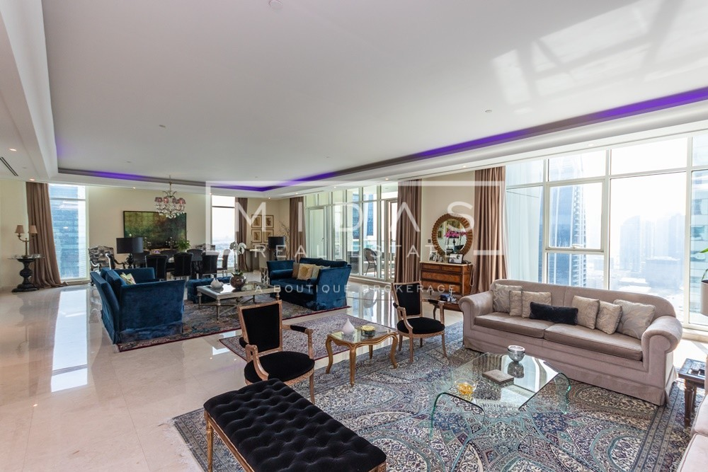 Best Priced Upgraded Penthouse w/ Lake View