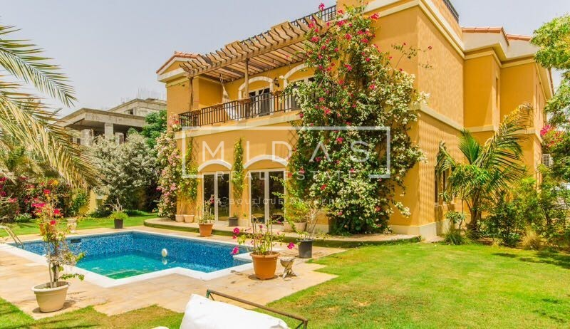 Beautiful Villa | Huge Plot | Private Pool | Fully Furnished