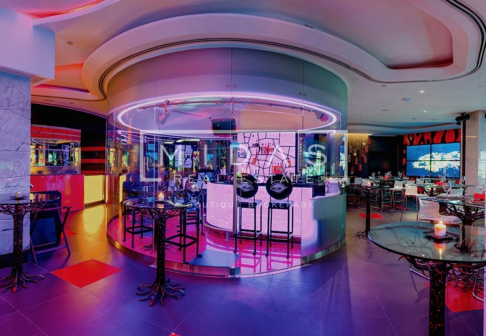 Exclusive Restaurant / Lounge - Fully Licensed in a 5* Hotel - With Terrace