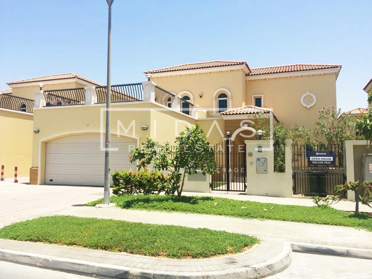 4BR+Maids | Corner Villa | Ready to Move In