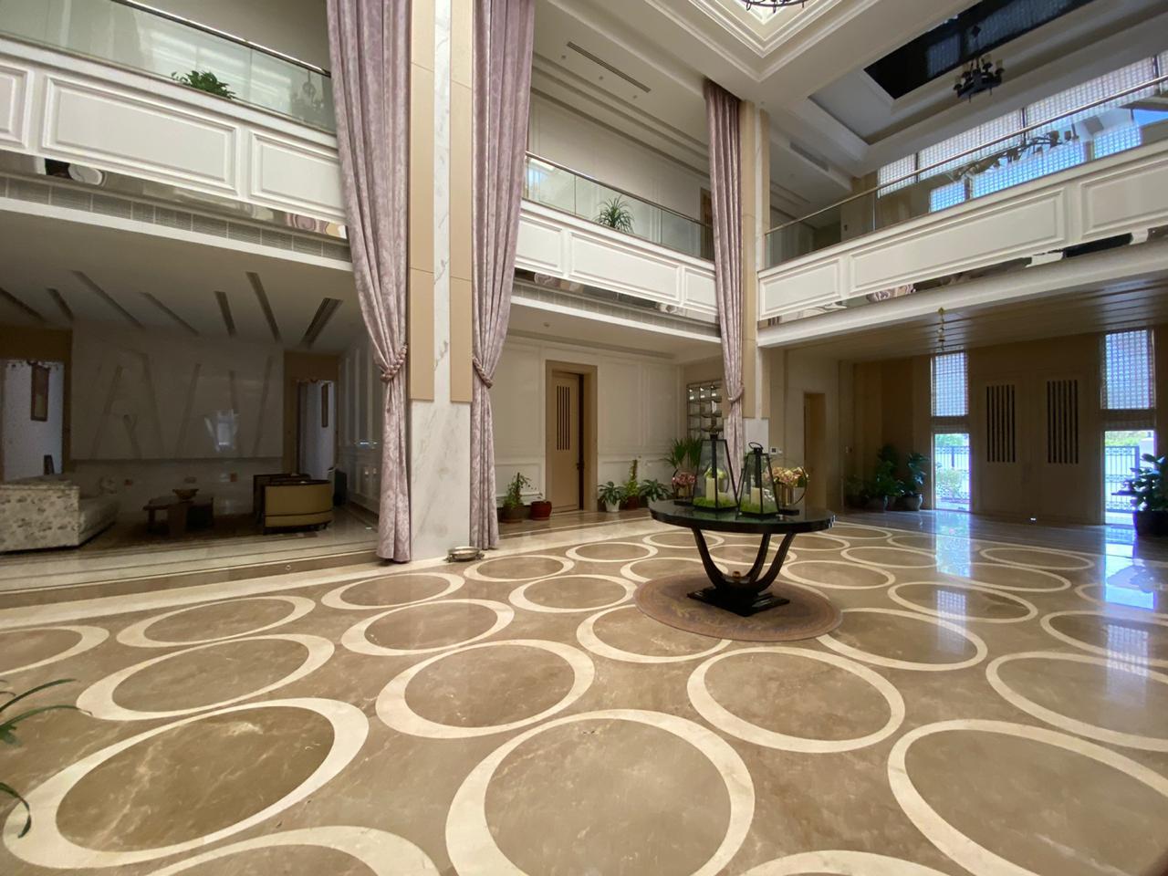 Stunning 6 Bedroom | Large Plot Mansion