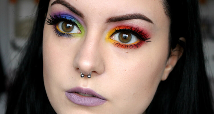 Eyeshadow in two tones