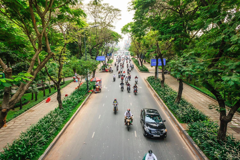Trục đường quanh công viên Hoàng Văn Thụ - Ảnh: Daniel Nguyen