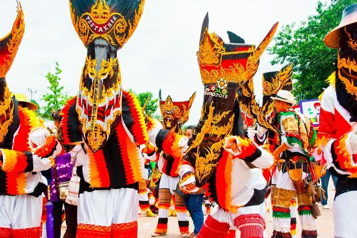 Lễ hội ma xó đầy màu sắc