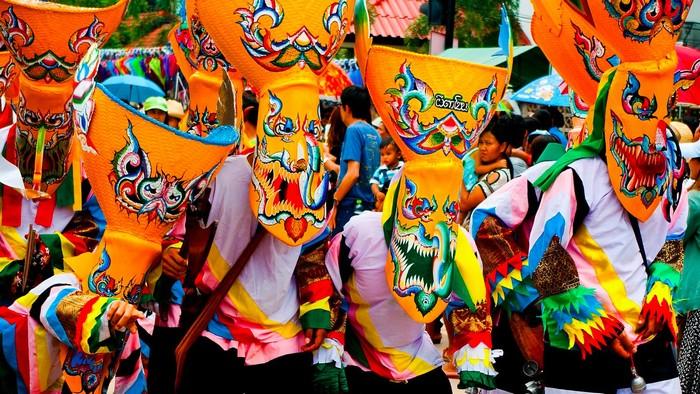 Lễ hội Phi Ta Khon đầy sắc màu