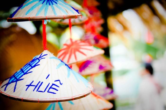 Chiếc nón xinh xắn được tạo ra từ làng nghề truyền thống ở đất cố đô