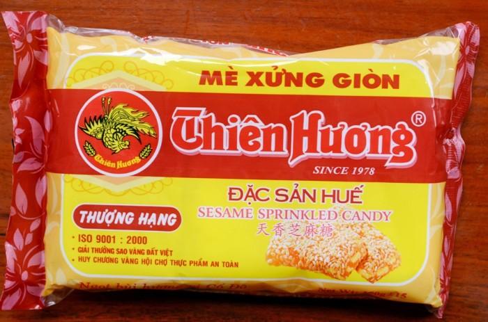 Gói mè xửng đặc sản nổi tiếng xứ Huế