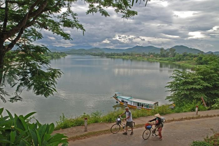 Sông Hương núi Ngự - nét thơ tình của cố đô