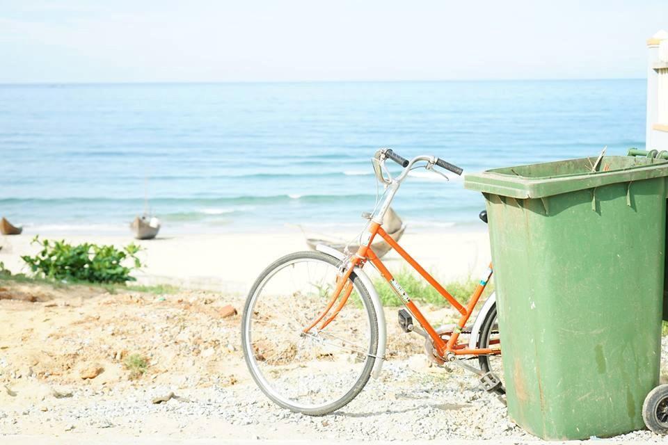 Làng quê nghèo thanh bình ven biển