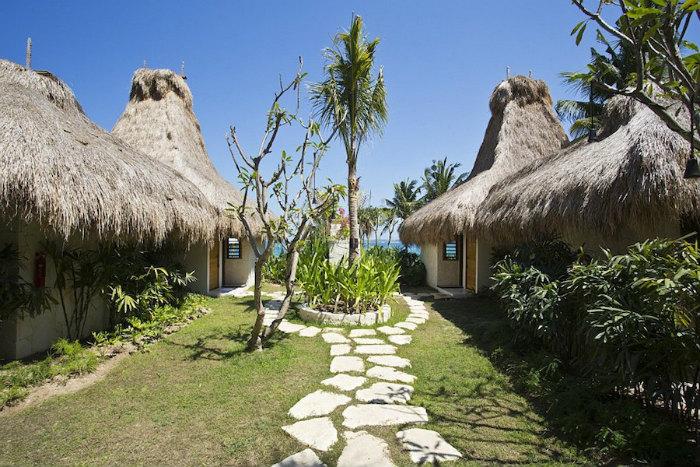 Một khu nghỉ mát sang trọng trên đảo ở Indonesia mới đây đã nhận được giải thưởng Khách sạn tốt nhất thế giới do tạp chíTravel + Leisurebình chọn.