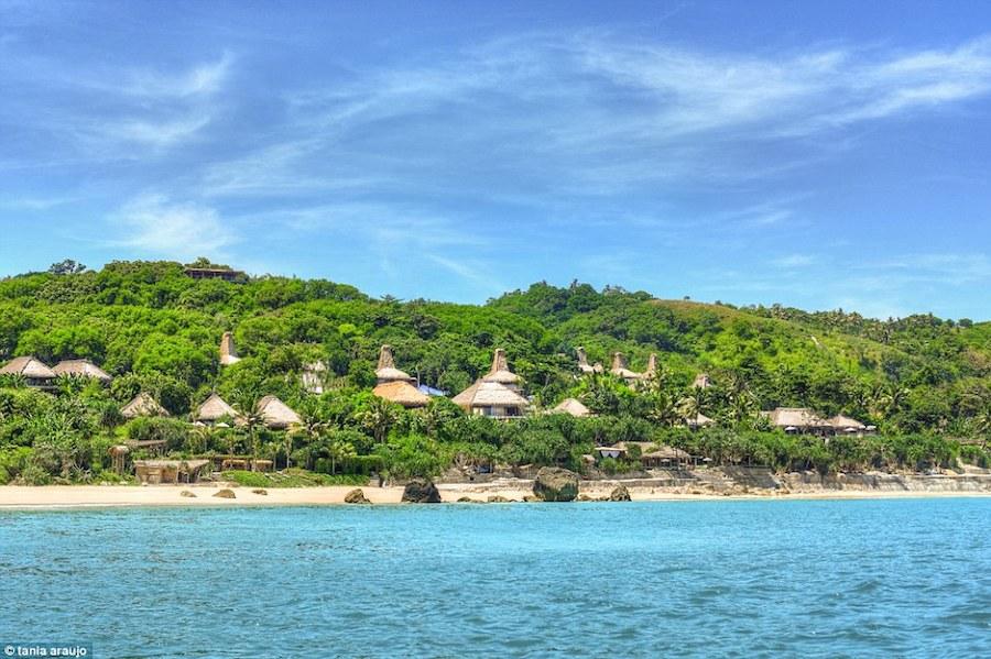 Nihiwatu có bãi biển riêng dài 2,5 km, luôn được bảo tồn và giữ gìn cẩn thận.
