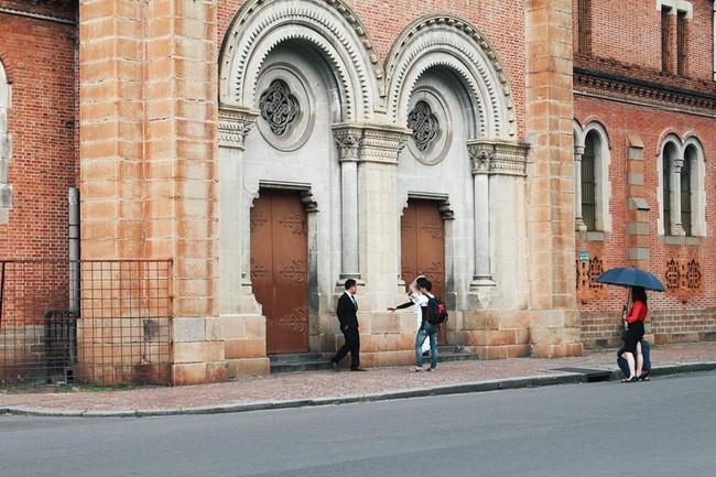 Qua Nhà thờ Đức Bà