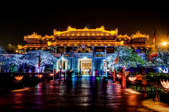 Nhiều người lại chọn đến Huế vào những dịp Festival