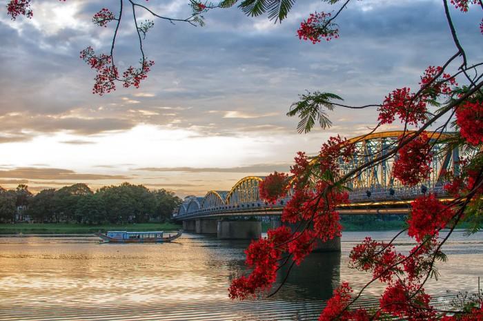 Dòng sông Hương - linh hồn chốn cố đô