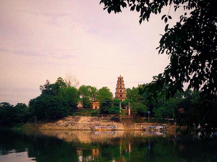 Ở Huế có rất nhiều chùa chiền