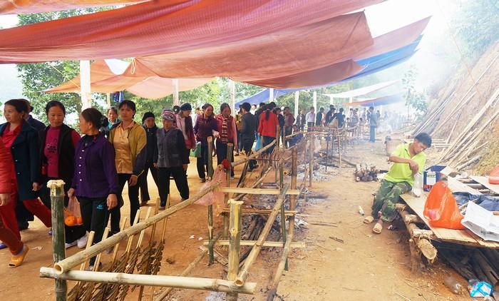 Thung Nai nằm lọt thỏm trong lòng hồ sông Đà thuộc huyện Cao Phong, tỉnh Hòa Bình.