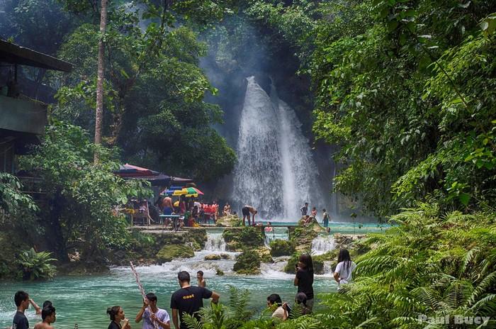 Thác nước lớn đầu tiên thu hút nhiều khách du lịch nhất