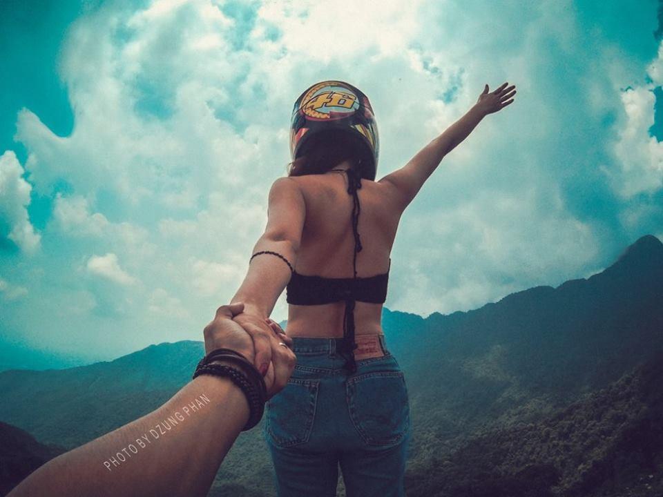 Trong hai năm qua, đôi tình nhân trẻ và đầy nhiệt huyết đã đặt chân đến nhiều địa điểm dọc đất nước để thực hiện bộ ảnh như Nha Trang, Vịnh Hạ Long, Hà Giang, Huế, Hội An, Đà Nẵng, Tam Đảo.