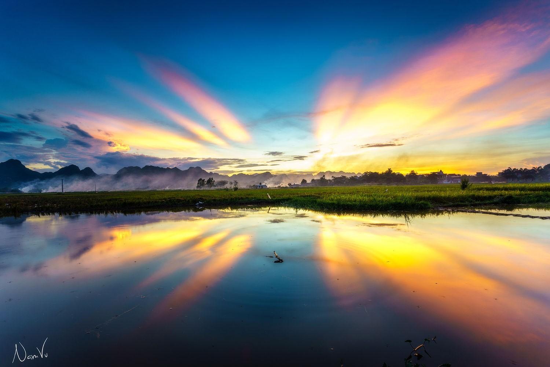 Hồ Tuy Lai nhuộm màu hoàng hôn đẹp ngất ngây, mê hoặc lòng người