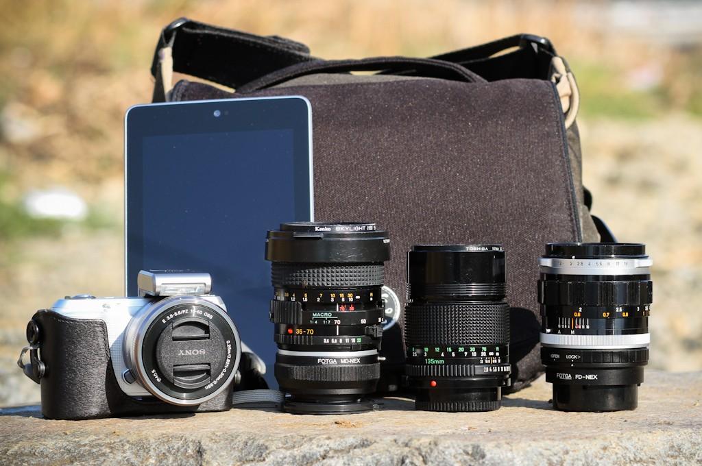 Khi chọn mua túi máy ảnh thì dung lượng chứa là một trong những yếu tố cần quan tâm