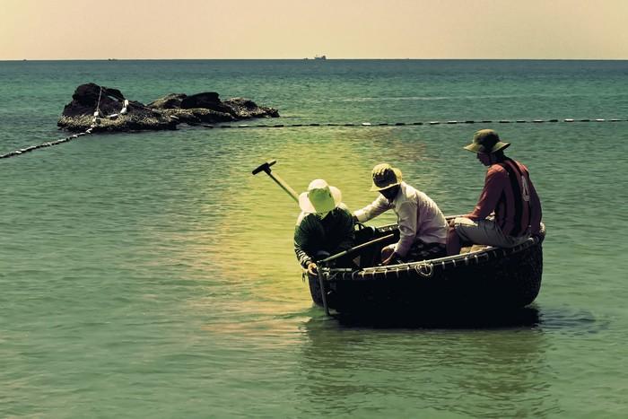 Hành trình đi tìm hải sâm cũng vất vả không kém