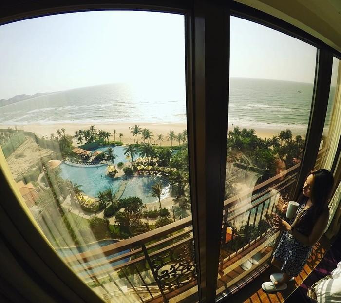 Từ phòng nghỉ nhìn toàn cảnh qua The Grand Hồ Tràm Strip
