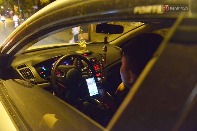 Ngay cả ngồi trong ô tô thì cũng có thể chơi pokemon được