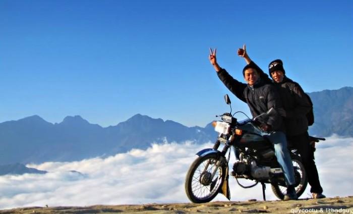Nhiều người lại lựa chọn xe máy để vi vu trên những cung đường lộng gió